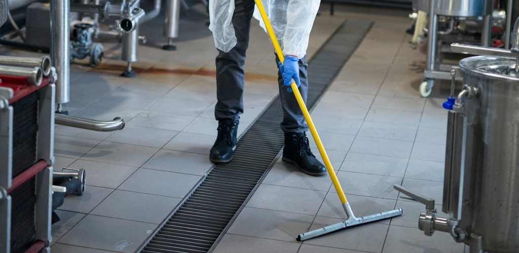 C06-commercial-warehouse-cleaning-florida-fl-min
